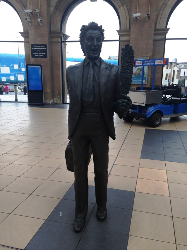 Sir Ken Dodd statue to return for fond farewell: Ken Dodd statue Lime Street