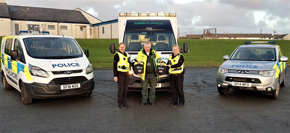 £12,000 raised for Public Access Defibrillators on the Isle of Islay: Police defib  pic