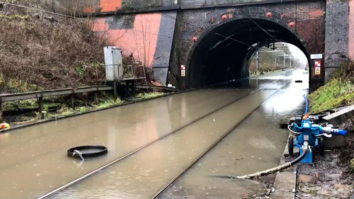 Videos show North West railway engineers battling against Storm Christoph: Culcheth flooding Warrington