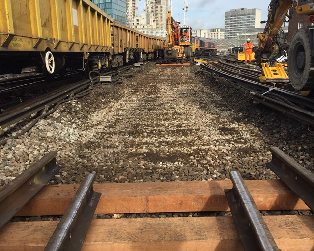 Network Rail renews important sections of track at Waterloo to improve reliability: Important sections of track at Waterloo were replaced during the weekend of 4-5 March (1)