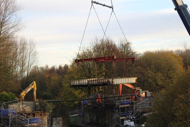 Burnley canal bridge lift-2