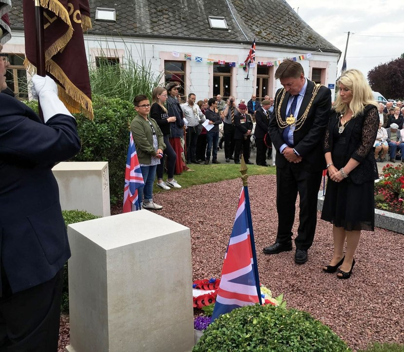 Lord Mayor joins residents of Bus Les Artois to pay tribute to Leeds Pals: lm1-sommetribute.jpg