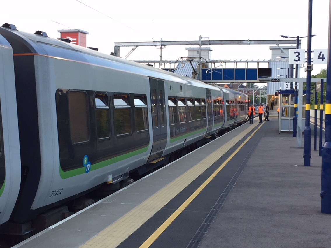 First electric train travels between Birmingham and Bromsgrove: First electric test train at Bromsgrove station 1