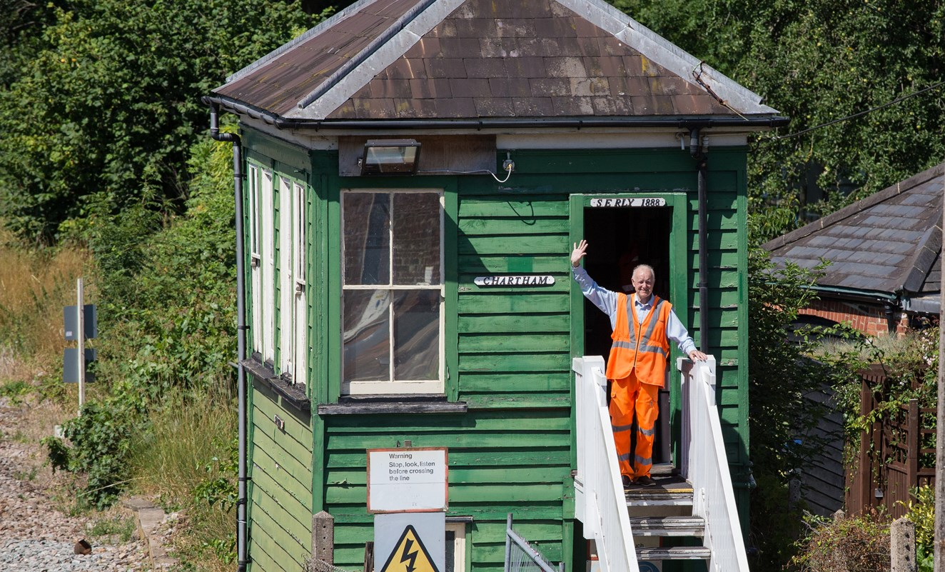 Level crossing in Kent village reopens after three-week closure: Chartham-6