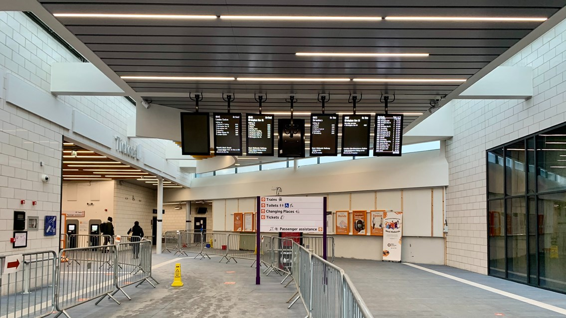 Passengers reminded of Wolverhampton station lift improvements: Wolverhampton station - internal