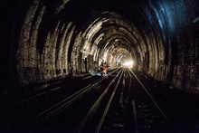 SE Route Easter- Sevenoaks Tunnel: Staff walk to one of the worksites deep in the 2-mile long Sevenoaks Tunnel