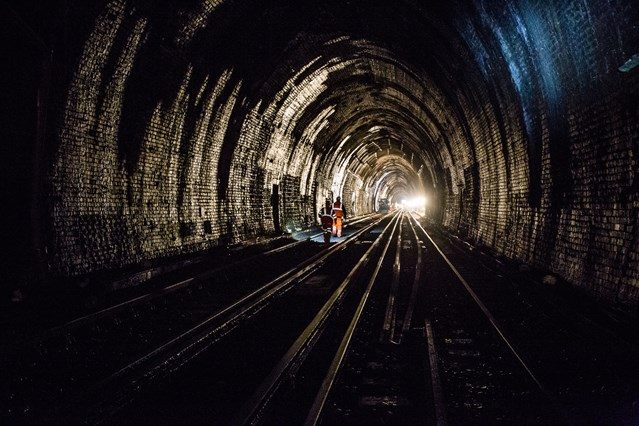 Rail passengers urged to check before they travel in the South East this Easter weekend: SE Route Easter- Sevenoaks Tunnel