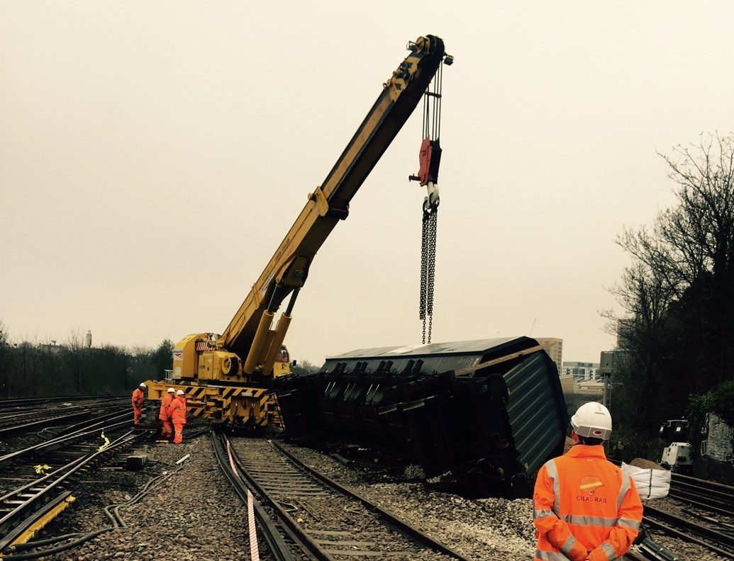 Southeastern passengers advised of changes for the rest of the week as extensive repairs needed following Lewisham freight train derailment: Lewisham derailment latest-2