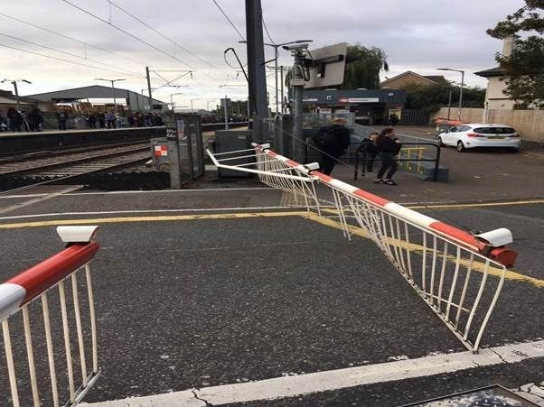 CCTV shows distracted drivers risking their lives at a level crossing as one in ten drivers in Anglia say they wont wait over five minutes: Brimsdown barriers knocked off