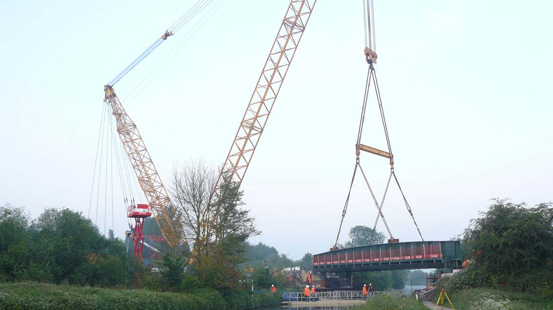 Selby canal bridge: Bridge is lifted into place by 1200 tonne crane