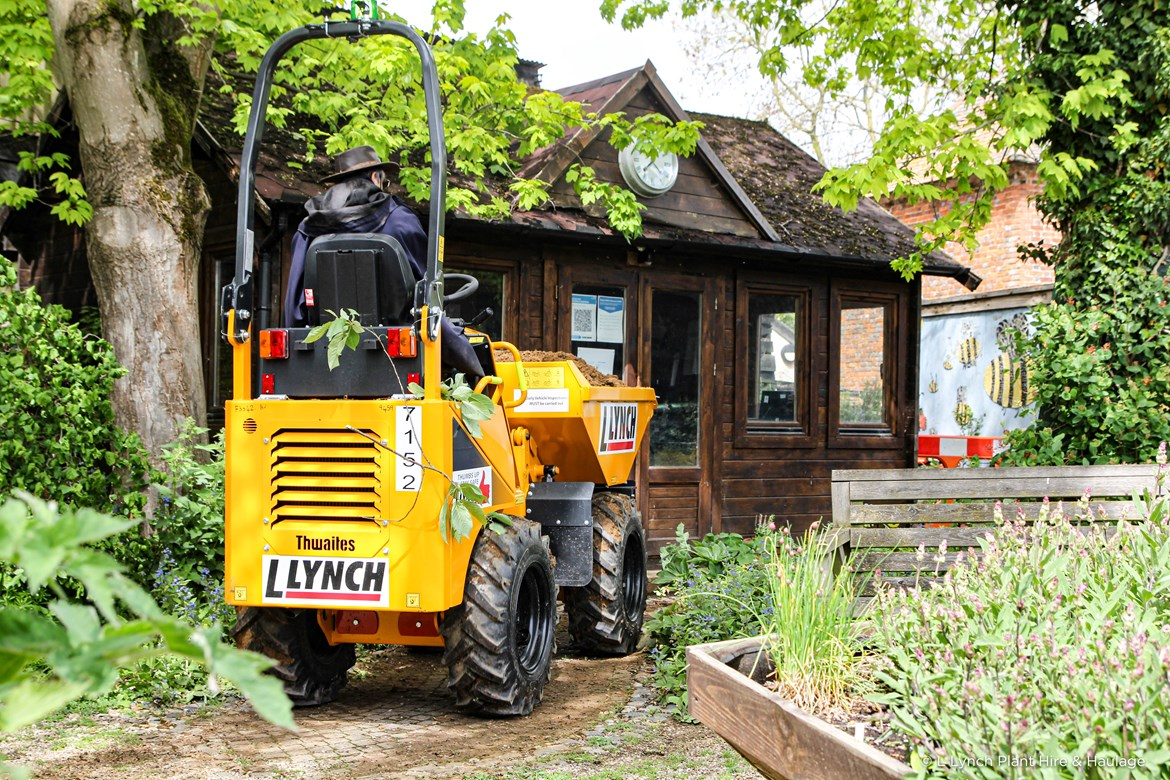 Lynch supports Iver Environment Centre-5