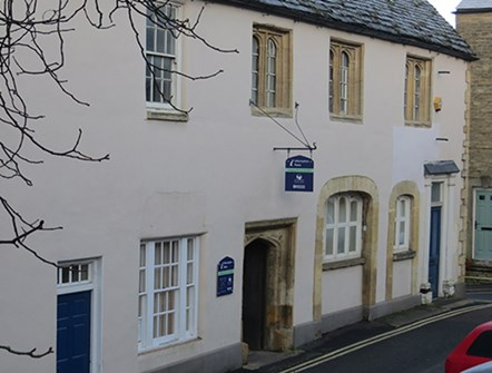 Chipping Norton customer access point set to close: Chipping-Norton-Guildhall