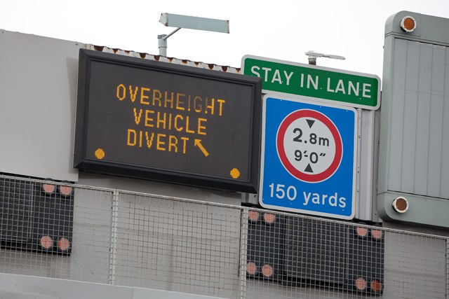 Height restrictions at northbound Blackwall Tunnel