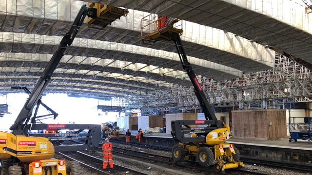Platforms to reopen at Bristol Temple Meads station ahead of roof restoration: Scaffolding installation-2