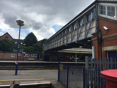 Current footbridge at Newbury from the station front