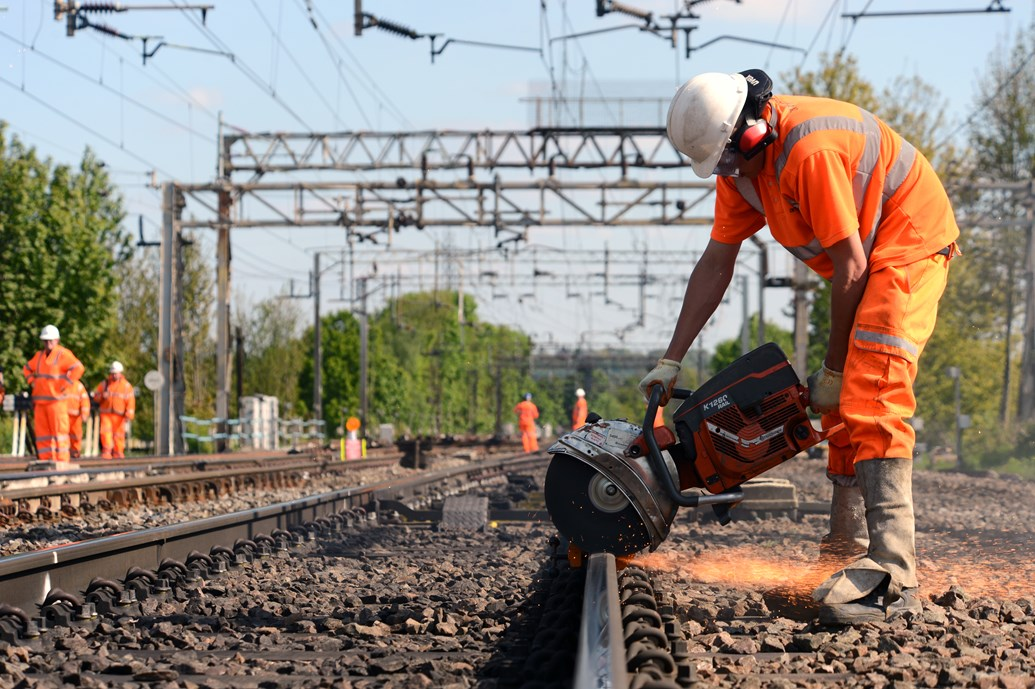 network rail quality improvement Savings for network rail and the rail operators are expected to be in tens of millions, while the indirect benefits of improving performance and capacity of the railway are estimated in hundreds of millions of pounds, with uk rail travellers benefitting from improve punctuality.