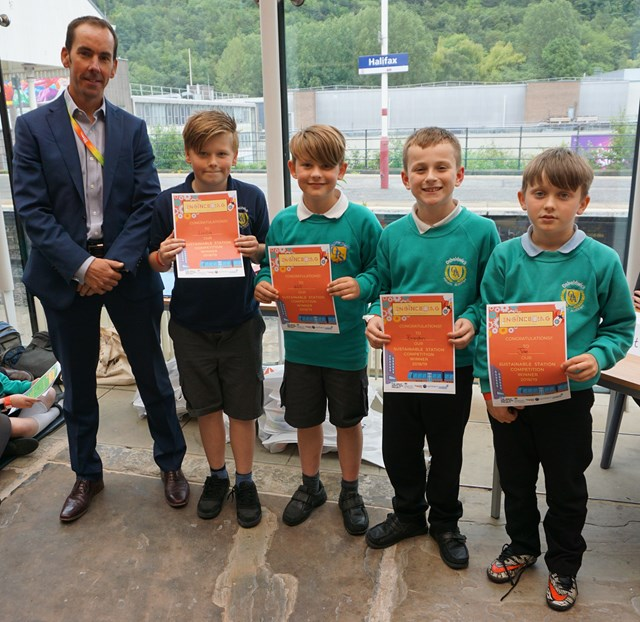 York primary school pupils come out top in railway competition: David Lawrance, Network Rail with the winning team