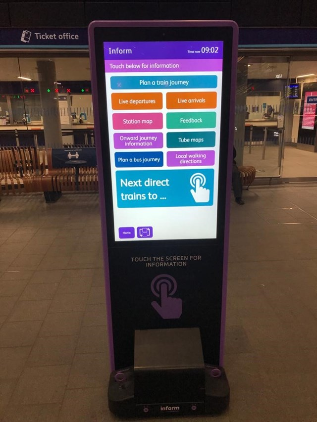Better passenger information at your fingertips at some major London mainline stations: Totem-5