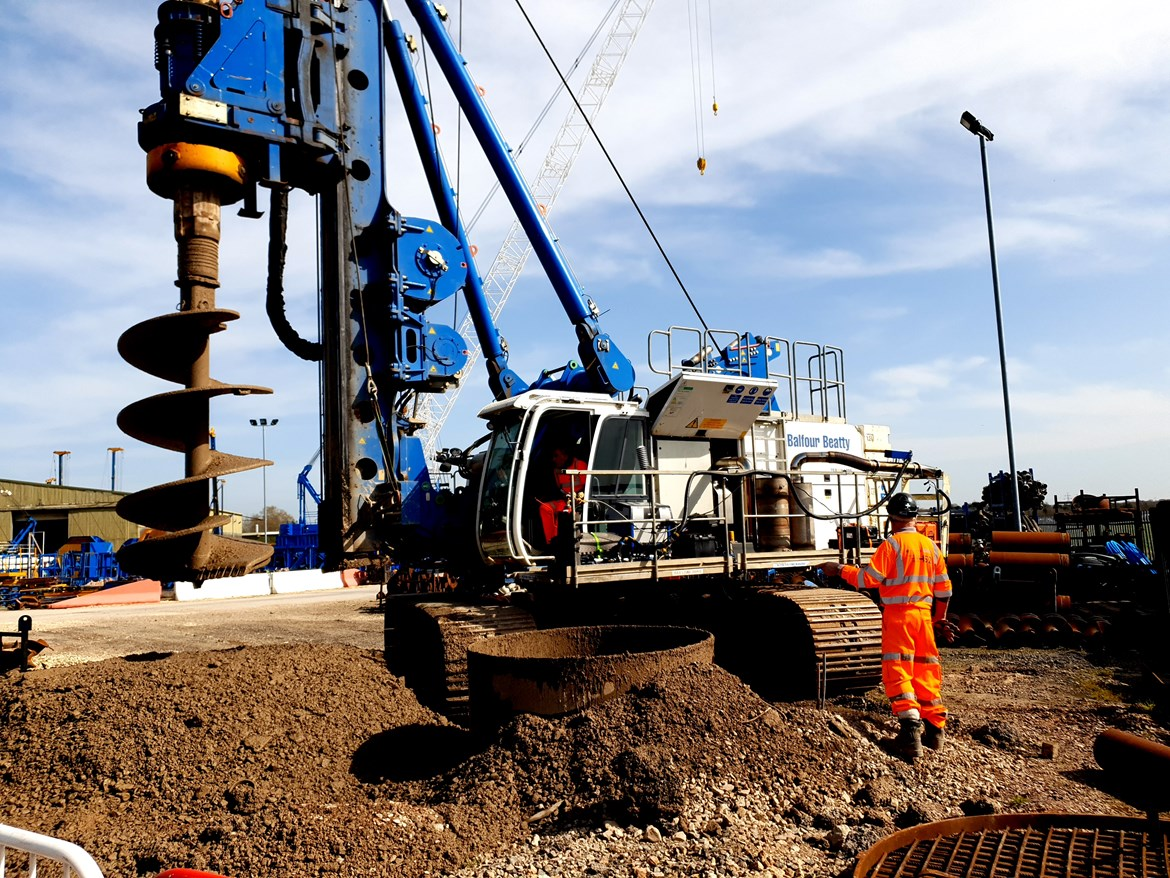 HS2 retrofit technology cuts carbon and costs for whole construction industry: NRMM retrofit trial on a Balfour Beatty 403kW Bauer BG30 Rotary Rig