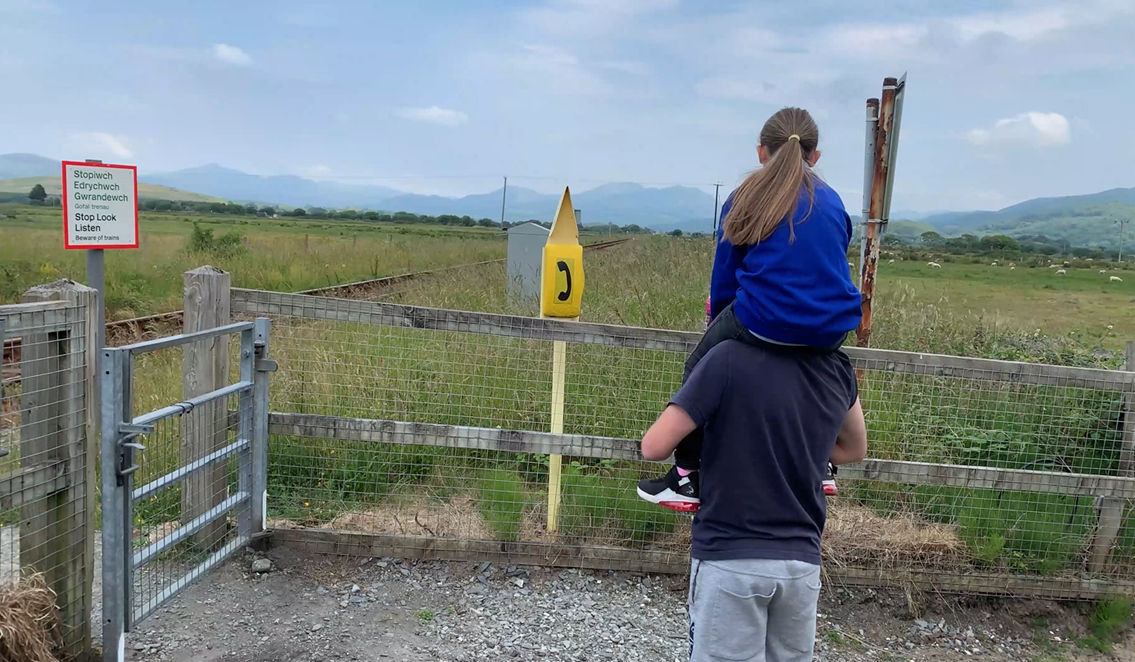 """""""Every parent's worst fear"""": Schoolgirl recalls 'terrifying' near miss with train after becoming distracted at level crossing: Paige photo3"""