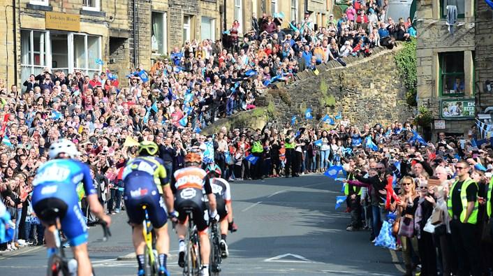 Tour de Yorkshire crowds.jpg: Tour de Yorkshire (credit swpix.com)