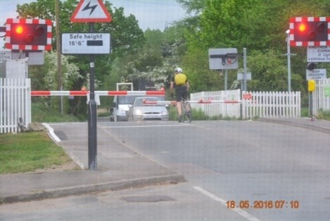Spike in near misses at two level crossings in the Cheshunt area prompts safety warning: Spike in near misses at two level crossings in the Cheshunt area prompts safety warning: Wharf road level crossing misuse 2
