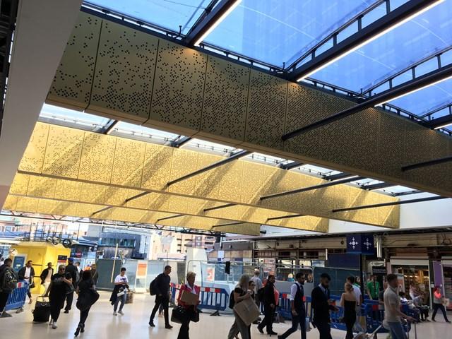 Leeds station south concourse photo
