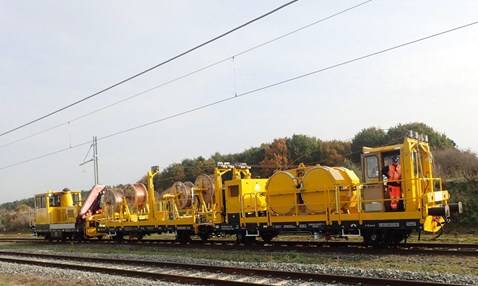 Bromsgrove electrification - wiring train