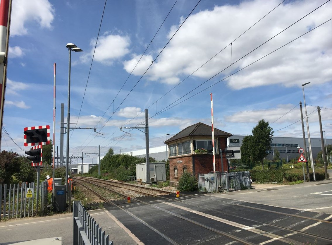 Want to see how a level crossing works? Come along to Colthrop signal box on Wednesday 10 October for an exciting glimpse into life on the railway: Colthrop Level Crossing
