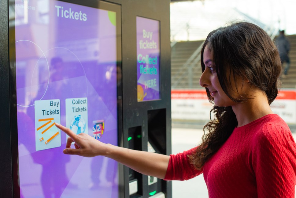 Northern celebrates 600th new ticket vending machine: MDH 1632