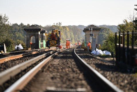 Brighton Mainline Upgrade Ouse Valley Oct 10  (7)