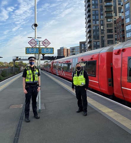 PC Lloyd and Southern employee Phil on Platforms 1 and 2 at East Croydon railway station