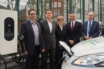 Moixa and Honda launch first stage of electric vehicle charging partnership at Islington Town Hall