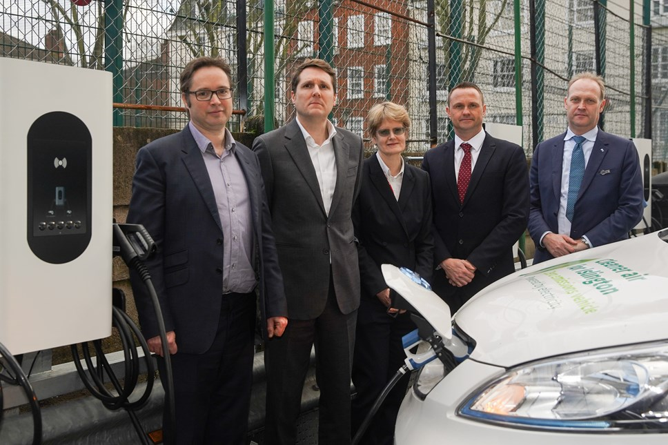 Moixa and Honda launch first stage of electric vehicle charging partnership at Islington Town Hall: Vehicle to Grid