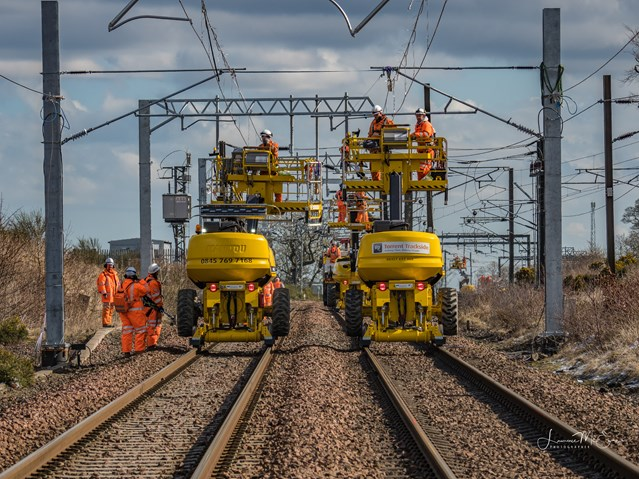 Shotts Line electrification goes live: A 25,000-strong workforce will work around the clock this holiday season.