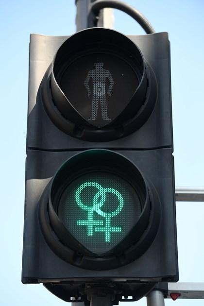 Siemens Mobility unveils diversity pedestrian traffic signals for Brighton Pride: Siemens Mobility Pride Traffic Light