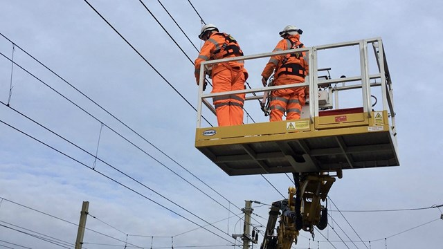 Passengers thanked after emergency West Coast main line repairs between Wigan and Preston: Euxton overhead wire repairs March 17