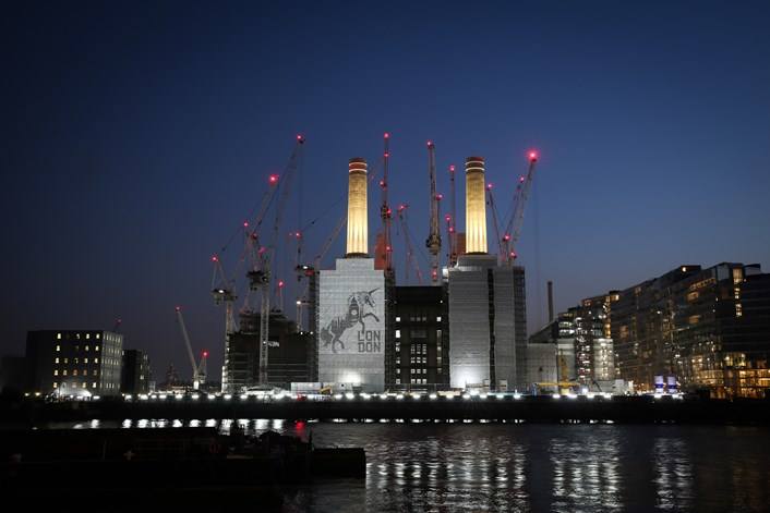 "London is the ""Unicorn Capital of Europe"": Unicorn Light Projection-2"