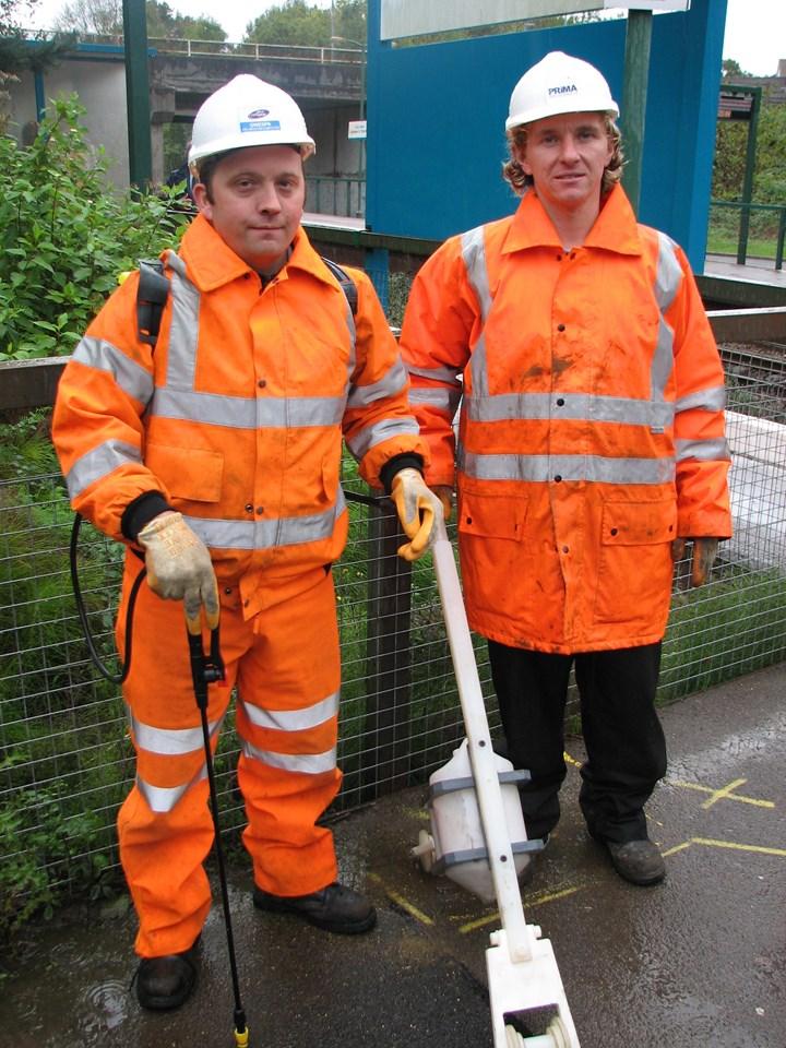Two man leaf busting team: Two man leaf busting team