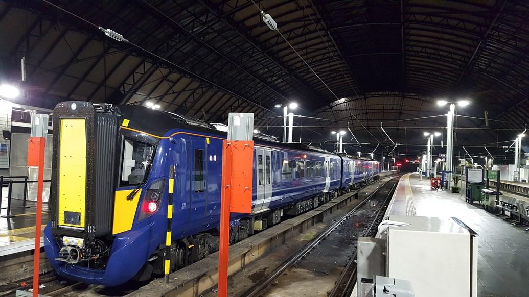 EGIP update - first electric train runs full Edinburgh-Glasgow line: EGIP 385 in Queen Street
