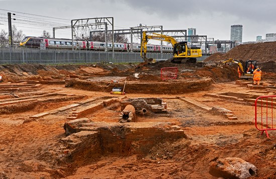 HS2 uncovers world's oldest railway roundhouse at Curzon Street archaeological site: Curzon St site turntable archaeology image 6