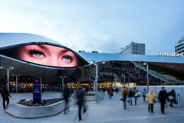 Birmingham New Street expecting bumper numbers as shoppers bag Black Friday bargains: Birmingham New Street and Grand Central - media eye at dusk