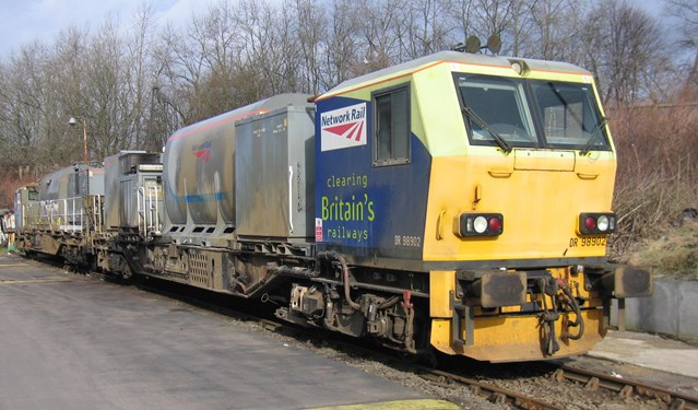 Leaves off the line: leaf-busting locos help keep passengers on the move this autumn: MPV