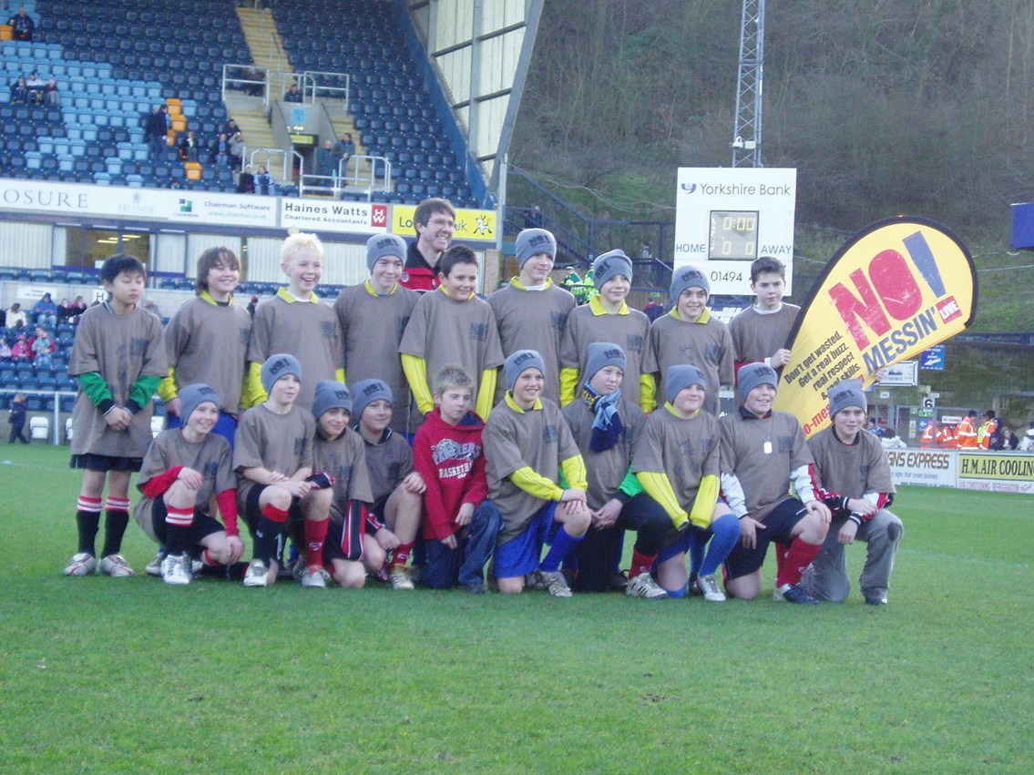 Wycombe Wanderers No Messin'! Kids01: Wanderers' Kids team get the No Messin'! message across