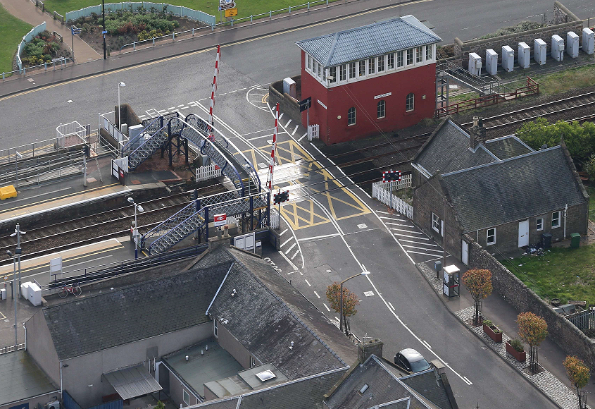 Carnoustie road closures for level crossing upgrade: Carnoustie level crossing