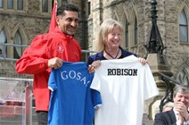Shona Robison Shirtswap with Bal Gosal