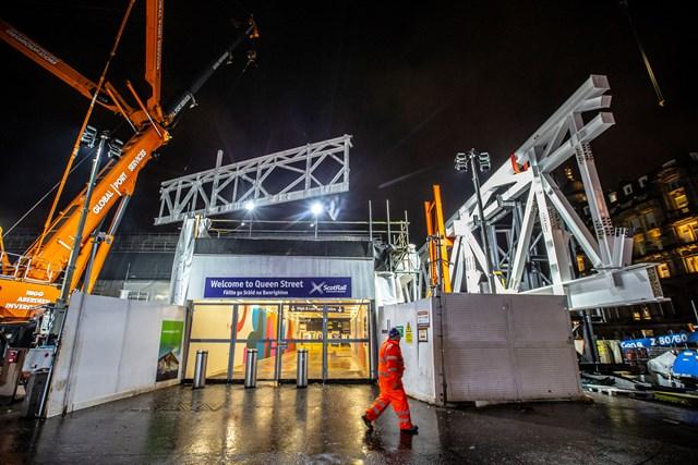 Big lift for Queen Street as structural steelwork begins: Peter Devlin - QueenStCraneLift 7