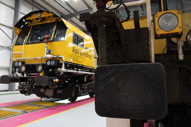 Innovative, new grinding trains will help passenger and freight trains run smoothly and safely for years to come: New grinding train - front