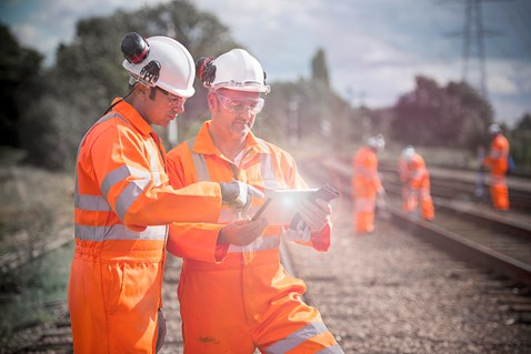 Best practice for the implementation of digital technology to the railway