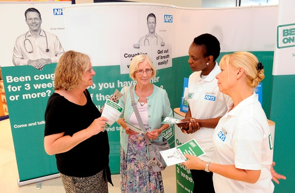 PUBLIC HEALTH ENGLAND CAMPAIGN IN THE SOUTH WEST RAISES AWARENESS FOR SYMPTOMS OF LUNG CANCER, LUNG DISEASE AND HEART DISEASE: BCOC roadshow pic 4